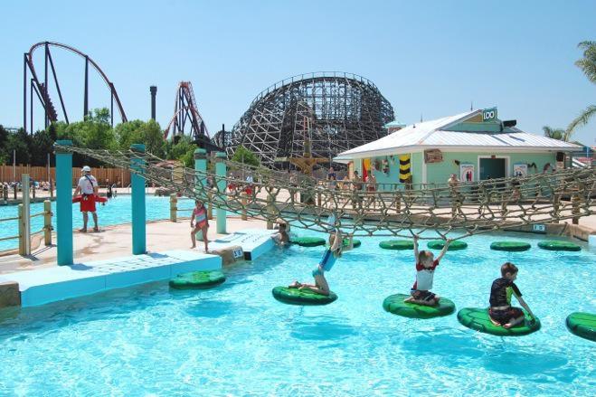 Экскурсия в  Парк развлечений Six Flags | Американские горки